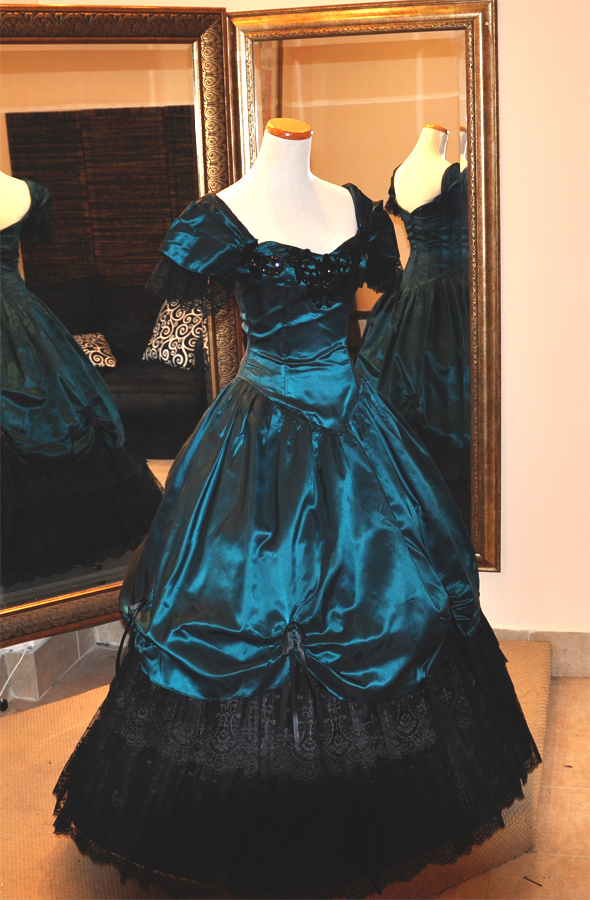 peacockbluegown